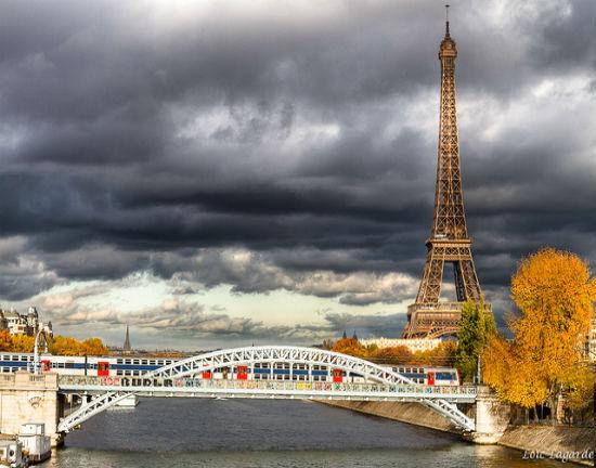 Paryskie hotele ofiarą zamachów