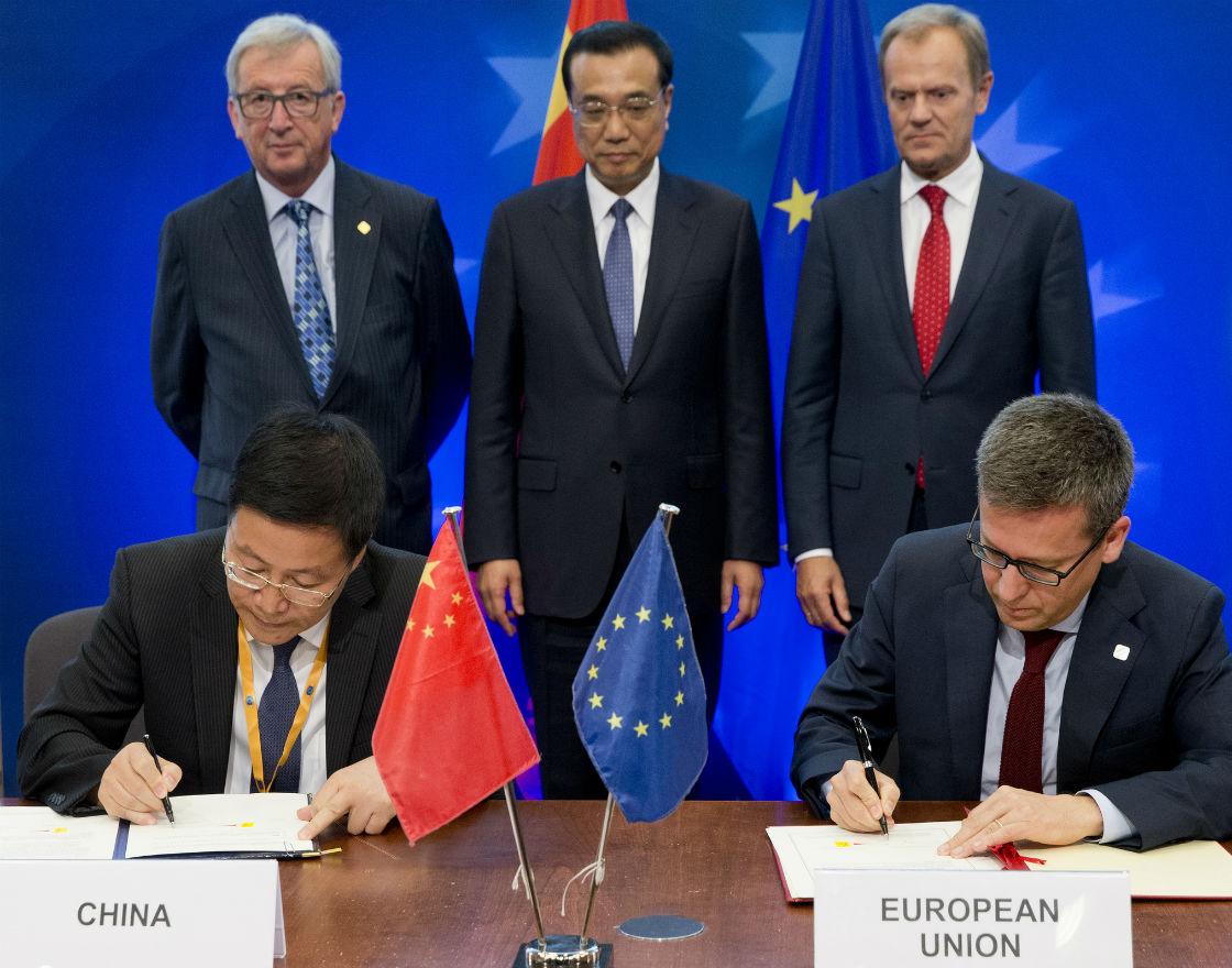 Chiny włączają się w realizację Planu Junckera
