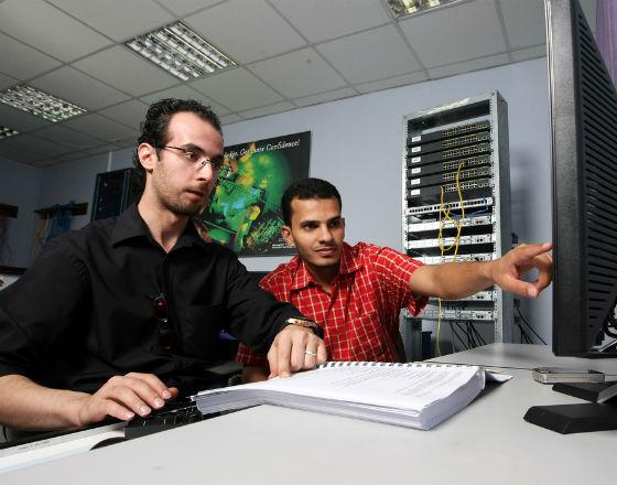 Między teorią a praktyką – jak wykształcić studenta na potrzeby rynku pracy