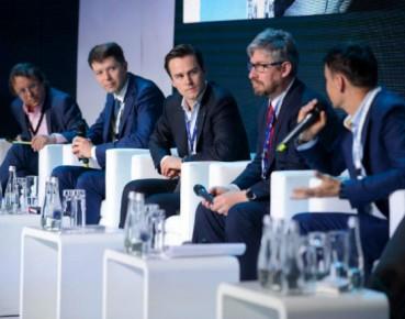 EKF, dyskusja o fintechach, od lewej: Jerzy Kalinowski, Łukasz Olek, Szymon Wałach, Wojciech Sobieraj, Cezary Smorszczewski. Foto EKF, Piotr Pędziszewski