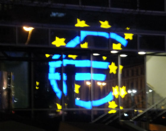 Wzrosło zagrożenie przywracania walut narodowych w strefie euro