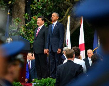 TPP, sztandarowy projekt Baracka Obamy, odchodzi do lamusa. Zyskają na tym Chiny. Na zdjęciu prezydenci USA Barack Obama i Chin  Xi Jinping (CC BY-NC 2.0 IIP Photo Archive).