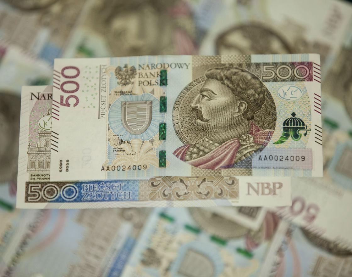 Banknot o nominale 500 złotych (na razie) potrzebny