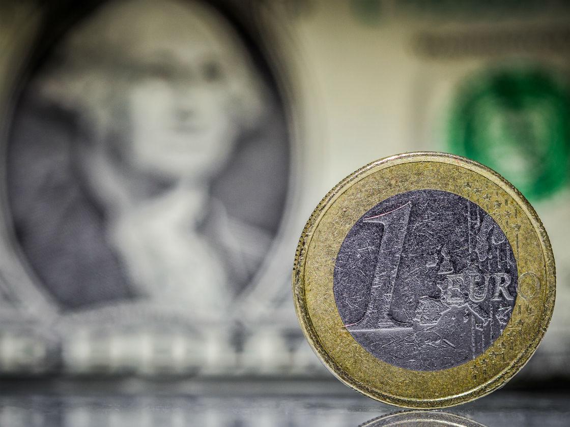 Parytet euro/dolar może mieć sporo negatywnych konsekwencji