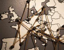 Przepisy fiskalne nie rozwiązują obciążeń politycznych UE