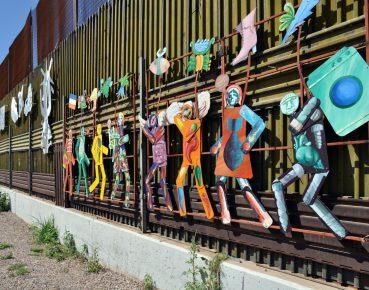 fragment muru oddzielajcego Meksyk od USA CC By Jonathan McIntosh