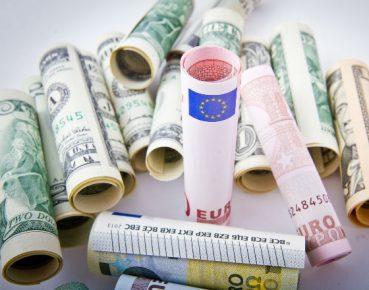 money pieniadze CC0 pixabay