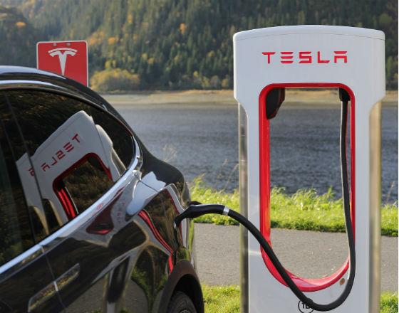 Już 2 mln aut elektrycznych jeździ po drogach świata