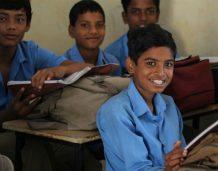 Inwestycje w szkoły dają długofalowy wzrost, inwestycje w drogi – szybkie efekty
