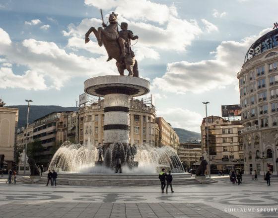 Macedonia traci ludzi przez drenaż mózgów
