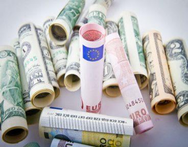 Pieniadze rozne_euro_rulony