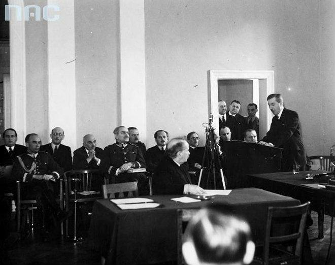 Posiedzenie komisji budzetowej Sejmu w spr planu inwestycji na 1937 Fot NAC