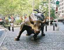 Najdłuższa hossa na Wall Street: Analitycy spierają się, do kiedy potrwa