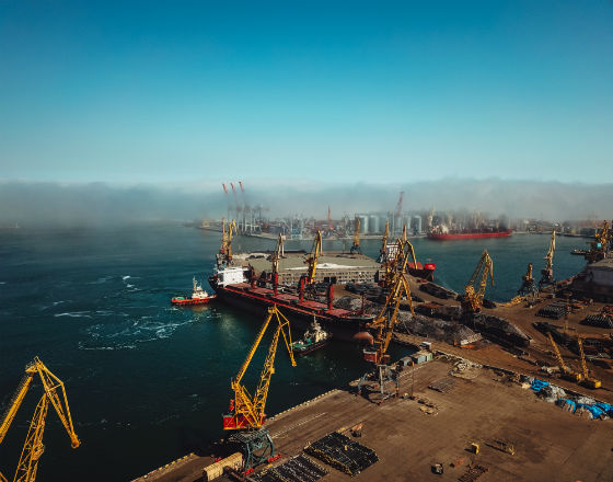 Kozak_Ukraina_Porty i blokada_photodune-22803970-sea-port-from-a-bird39seye-view-odessa-ukraine-xl