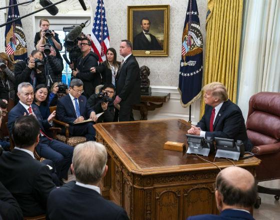 Góralczyl_Chiny_USA_Starcie_Gra_1_Biały Dom_Donald Trump_Liu He wicepremier Chin_pap
