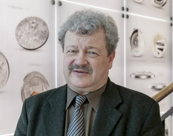 J.Laszek