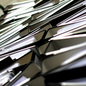 Croatian government announces big cuts in bureaucracy