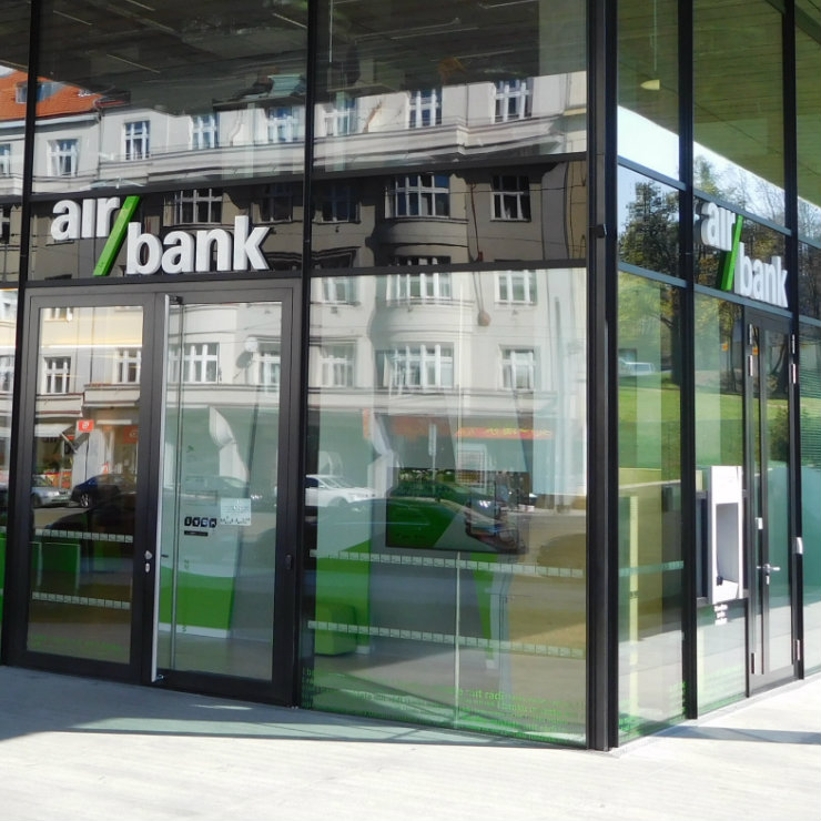 Czech bank moves to German market