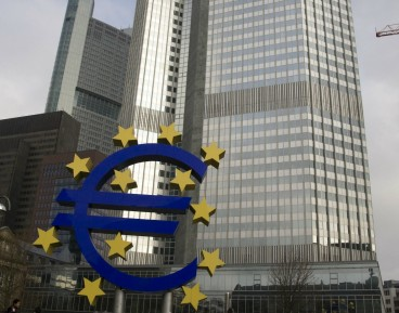 Who is in charge of macroprudential policy in the EU?