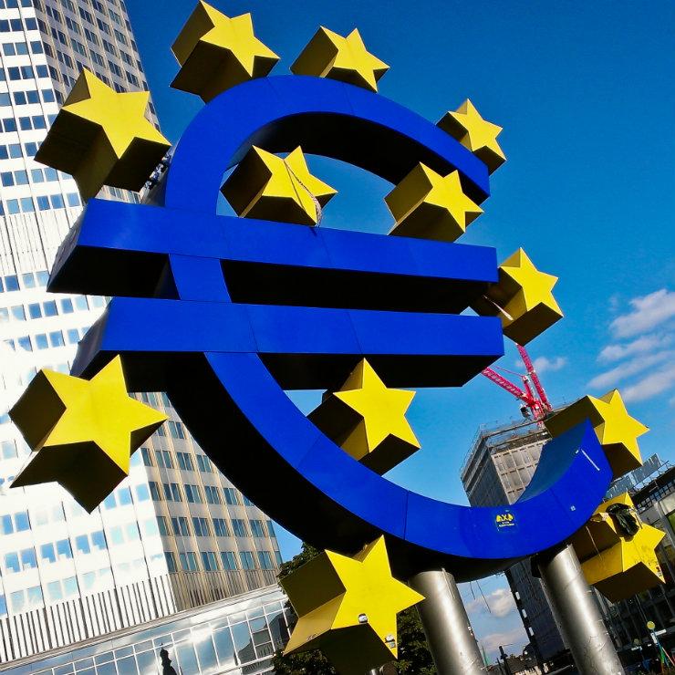 Euro sign Frankfurt 2 kwadrat