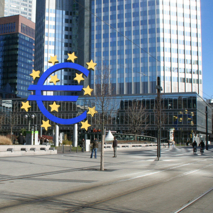 How will introduction of EUR affect Croatian trade and FDI?
