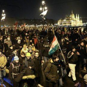 Hungary Budapest protest 2018 kwadrat