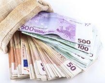 Podkaminer_Deficyt budżetowy_2_photodune_envato