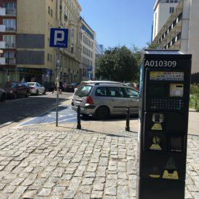 Poland Warsaw parking kwadrat