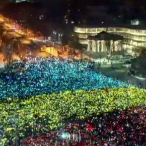 The bi-polar Romania