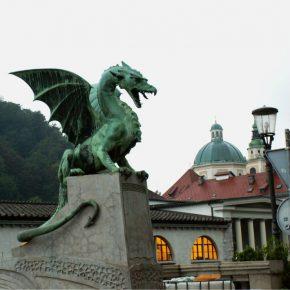 OECD urges Slovenia to tackle labor market bottlenecks and push privatization