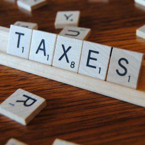ECB warns Poland over bank tax