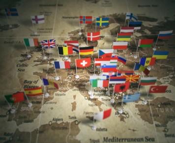 Mapa UE z flagami państw_photodune_envato