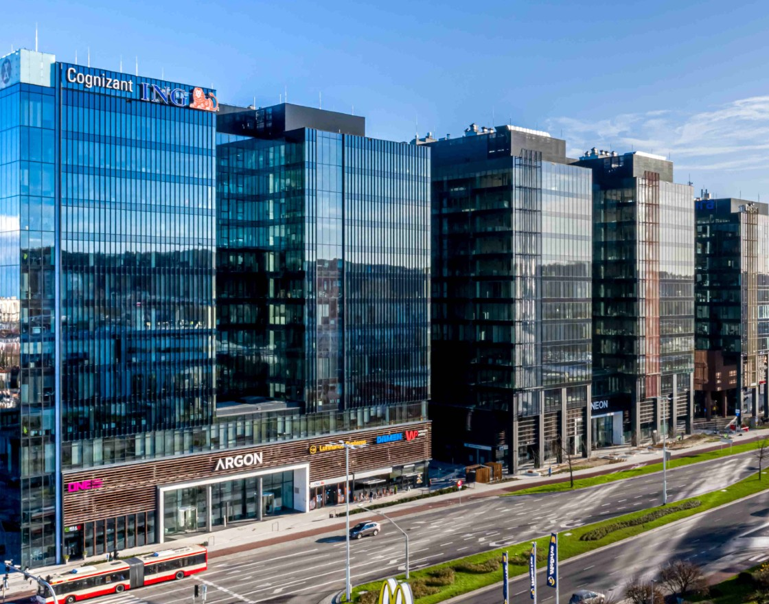 Total investment in Polish real estate the second-highest
