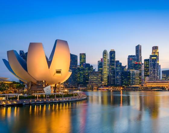 Gadomski_Singapur_skandale_1_photodune_envato