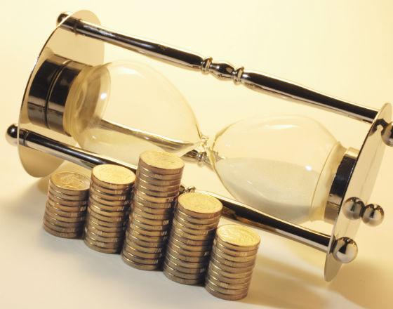 Pieniądz i dług: jak zapłacić za kryzys