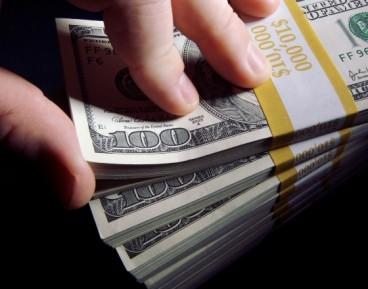Dolar wszedł w niebezpieczny zakręt
