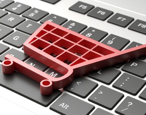 Handel w internecie rośnie, w branży detalicznej spadki