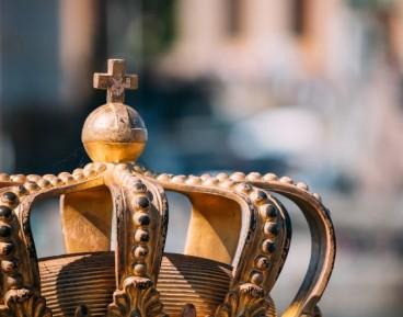 Historia trzech koron oraz więzów je łączących