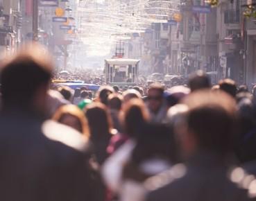 Ubożenie zachodniej klasy średniej po globalnym kryzysie finansowym