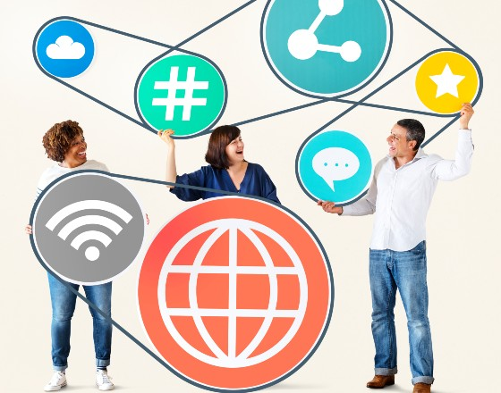 Platformy społecznościowe sprzyjają dezinformacji