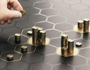 Krzywa Phillipsa w strefie euro: poobijana, ale cała